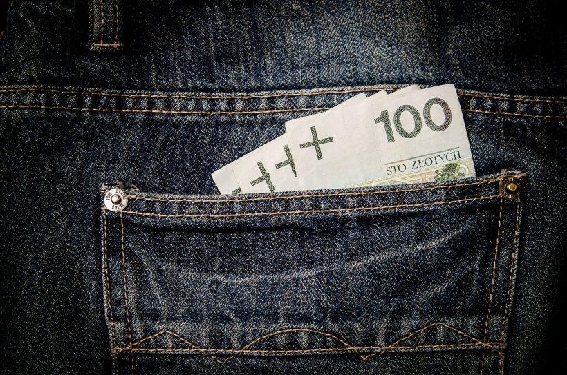 Darmowe pieniądze też trzeba oddać.