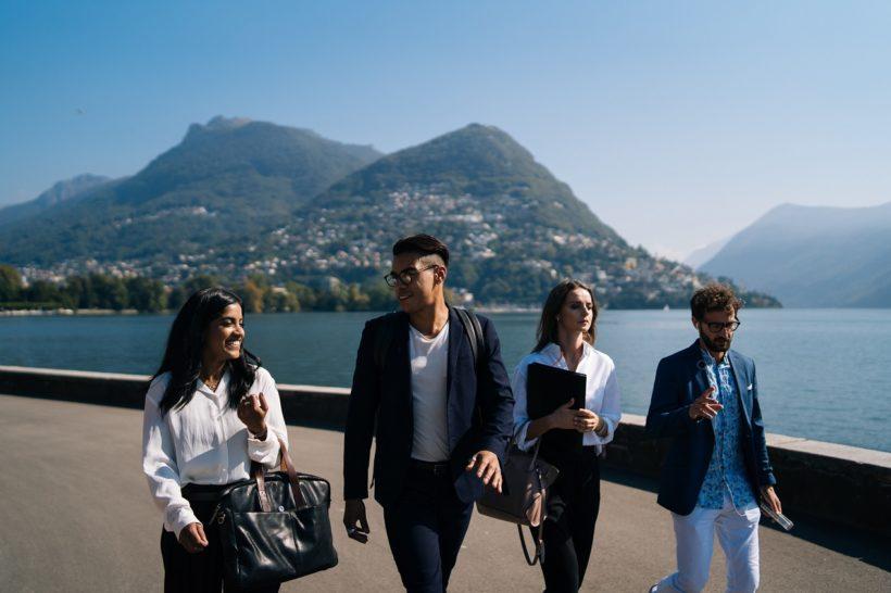 Organizacja konferencji biznesowej w górach – dlaczego warto?